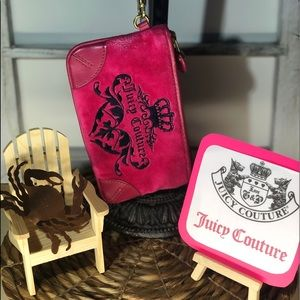 Juicy Couture - Hot Pink Wristlet